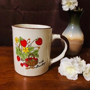 Other - VINTAGE Wild Strawberry Coffee Mug Cup